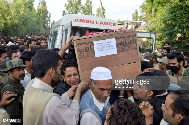 Suspected militants Thursday shot and killed a policeman in south Kashmirs Kulgam district some 60 kilometers from summer capital of Indian occupied...