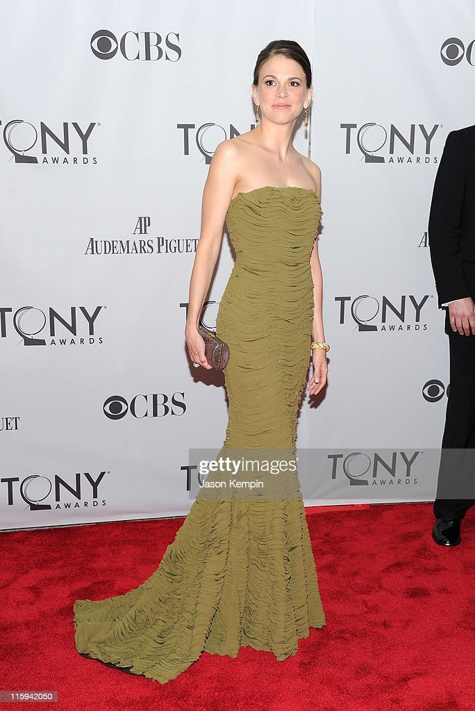 Sutton Foster attends the 65th Annual Tony Awards at the Beacon Theatre on June 12 2011 in New York City