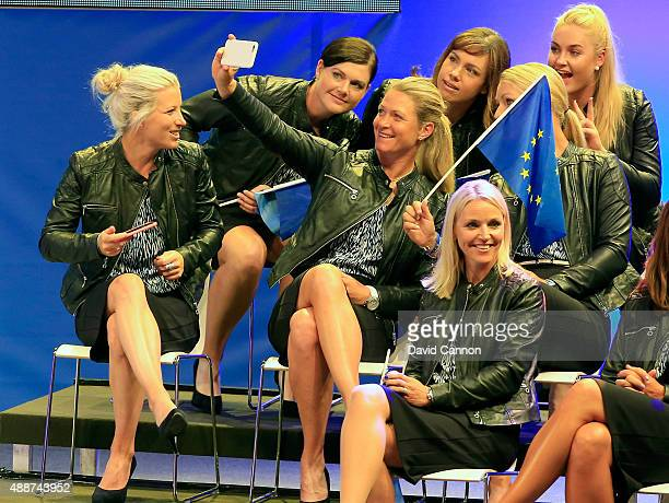 Suzan Pettersen takes a 'selfie' picture of herself with Caroline Masson Karine Icher Charley Hull and Anna Nordqvist in front of the European Team...