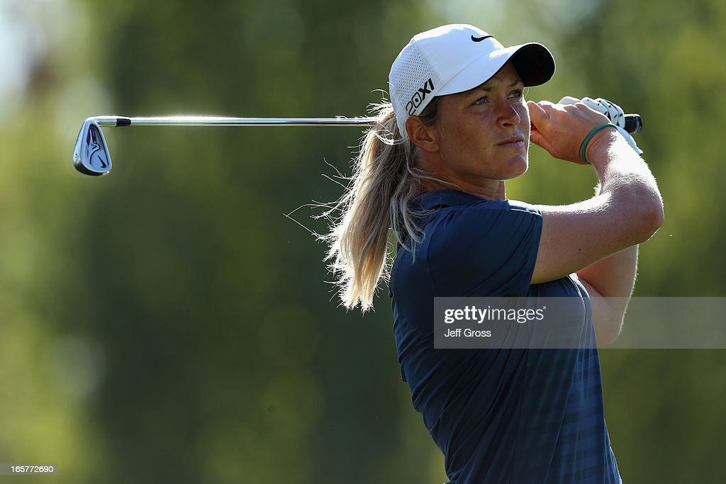 <a gi-track='captionPersonalityLinkClicked' href=/galleries/search?phrase=Suzann+Pettersen&family=editorial&specificpeople=218091 ng-click='$event.stopPropagation()'>Suzann Pettersen</a> of Norway hits her tee shot on the 17th hole during the second round of the Kraft Nabisco Championship at Mission Hills Country Club on April 5, 2013 in Rancho Mirage, California.
