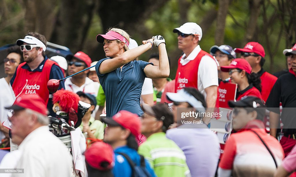 <a gi-track='captionPersonalityLinkClicked' href=/galleries/search?phrase=Suzann+Pettersen&family=editorial&specificpeople=218091 ng-click='$event.stopPropagation()'>Suzann Pettersen</a> of Norway tees off on the 18th hole during day four of the Honda LPGA Thailand at Siam Country Club on February 24, 2013 in Chon Buri, Thailand.