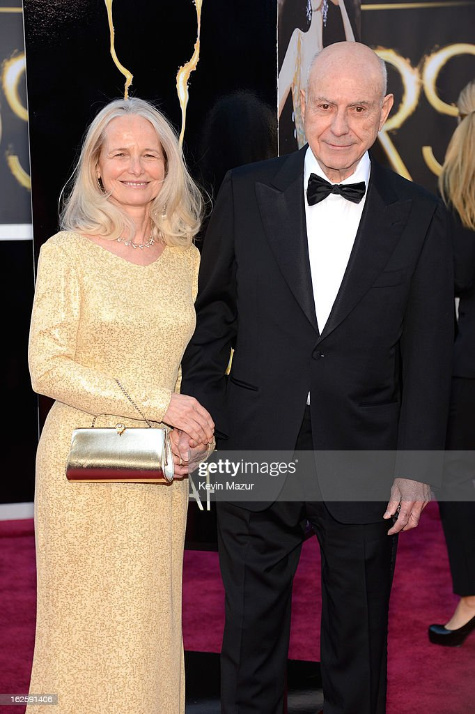 Suzanne Newlander Arkin and actor <a gi-track='captionPersonalityLinkClicked' href=/galleries/search?phrase=Alan+Arkin&family=editorial&specificpeople=681109 ng-click='$event.stopPropagation()'>Alan Arkin</a> arrive at the Oscars held at Hollywood & Highland Center on February 24, 2013 in Hollywood, California.