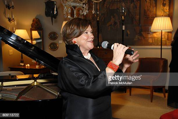 Suzanne Rheinstein attends Cocktails at Hollyhock Honoring Mish NY and the Breast Center at UCLA at West Hollywood on May 7 2007 in West Hollywood...