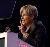 Suze Orman winner Outstanding Program Host during 31st Annual American Women in Radio Television Gracie Allen Awards Show at Mariott Marquis in New...