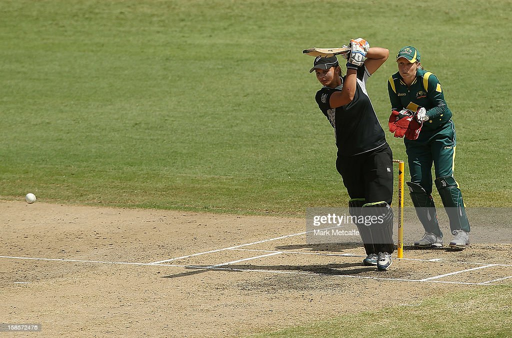 Suzie Bates of New Zealand bats during game four of the one day international series between the Australian Southern Stars and New Zealand at North Sydney Oval on December 19, 2012 in Sydney, Australia.