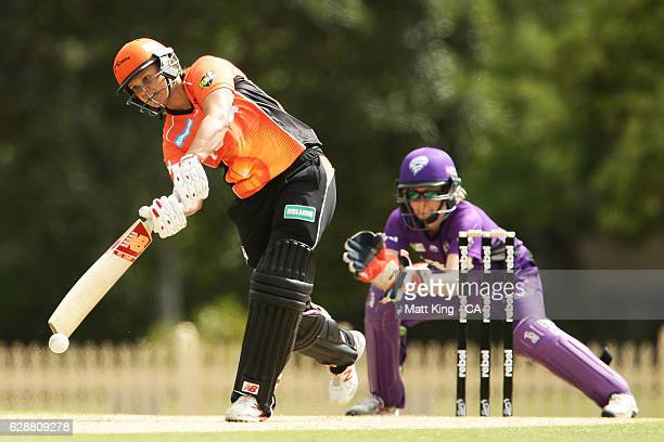 Suzie Bates of the Scorchers bats during the Women's Big Bash League match between the Hobart Hurricanes and the Perth Scorchers at North Sydney Oval...