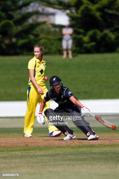 Suzie Bates scores a run during the Women's One Day International match between the New Zealand White Ferns and the Australia Southern Stars on March...