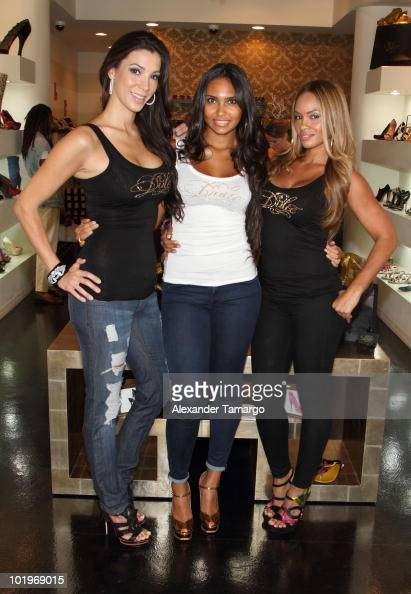 Suzie Ketcham Shaniece Lozada and Evelyn Lozada attend Dulce Shoes VH1's Evelyn Lozada Celebrate The Hotness Of Georgina Goodman at Dulce Shoe...