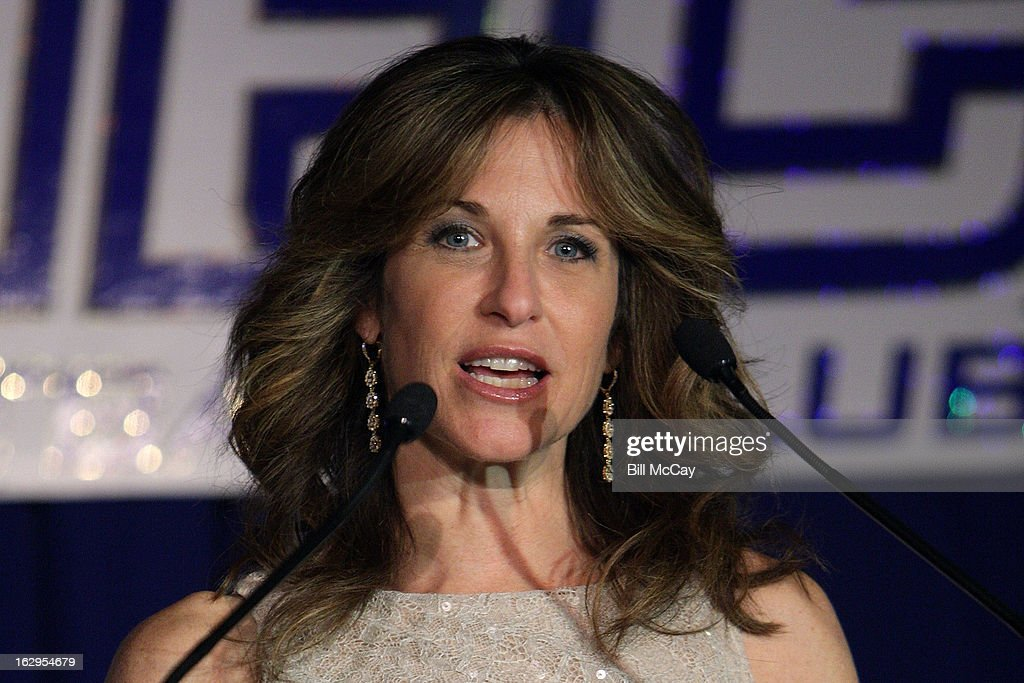Suzy Kolber attends the 76th Annual Maxwell Football Club Awards Dinner March 1, 2013 in Atlantic City, New Jersey.