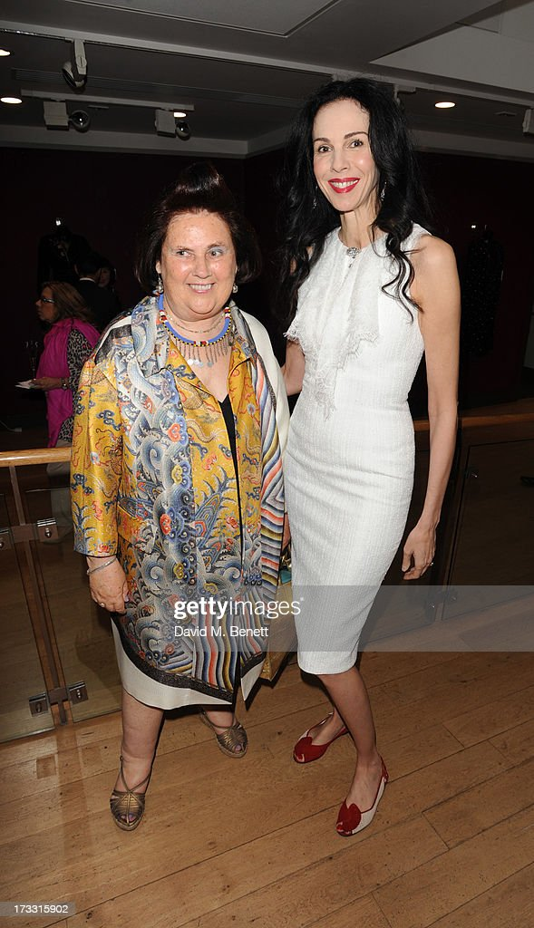 <a gi-track='captionPersonalityLinkClicked' href=/galleries/search?phrase=Suzy+Menkes&family=editorial&specificpeople=816435 ng-click='$event.stopPropagation()'>Suzy Menkes</a> and <a gi-track='captionPersonalityLinkClicked' href=/galleries/search?phrase=L%27Wren+Scott+-+Fashion+Designer&family=editorial&specificpeople=566708 ng-click='$event.stopPropagation()'>L'Wren Scott</a> attends the private view of 'The <a gi-track='captionPersonalityLinkClicked' href=/galleries/search?phrase=Suzy+Menkes&family=editorial&specificpeople=816435 ng-click='$event.stopPropagation()'>Suzy Menkes</a> Collection: In My Fashion' at Christie's on July 11, 2013 in London, England.