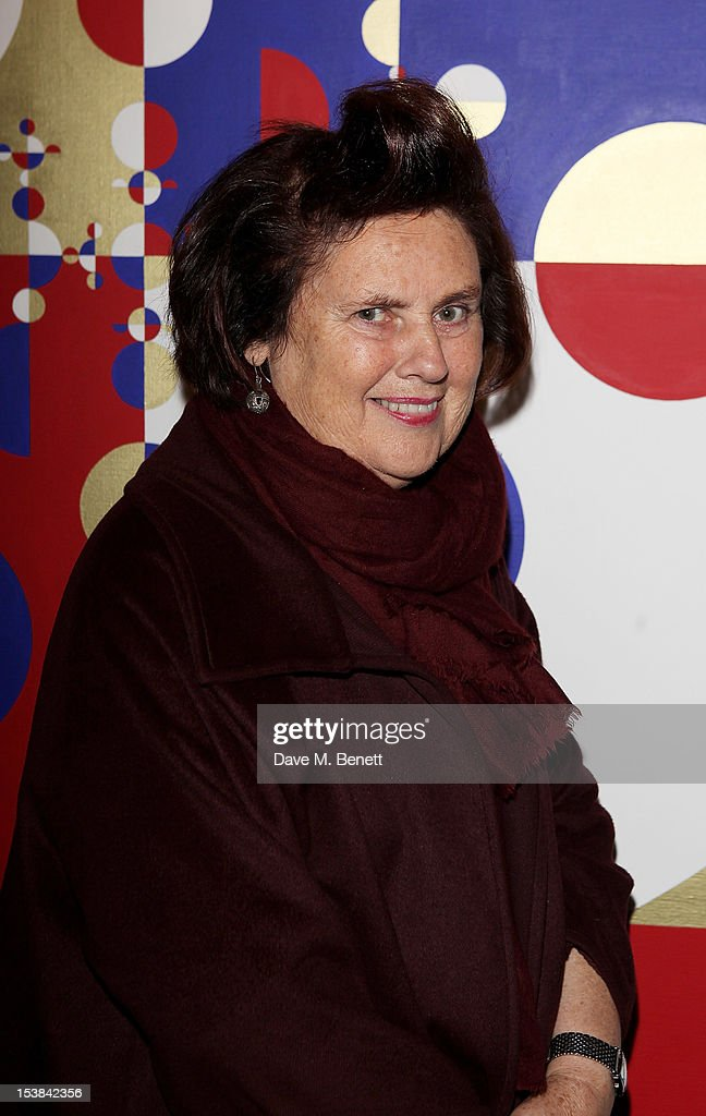 <a gi-track='captionPersonalityLinkClicked' href=/galleries/search?phrase=Suzy+Menkes&family=editorial&specificpeople=816435 ng-click='$event.stopPropagation()'>Suzy Menkes</a> attends a private preview of the PAD London 2012 Pavilion of Design in Berkeley Square Gardens on October 9, 2012 in London, England.