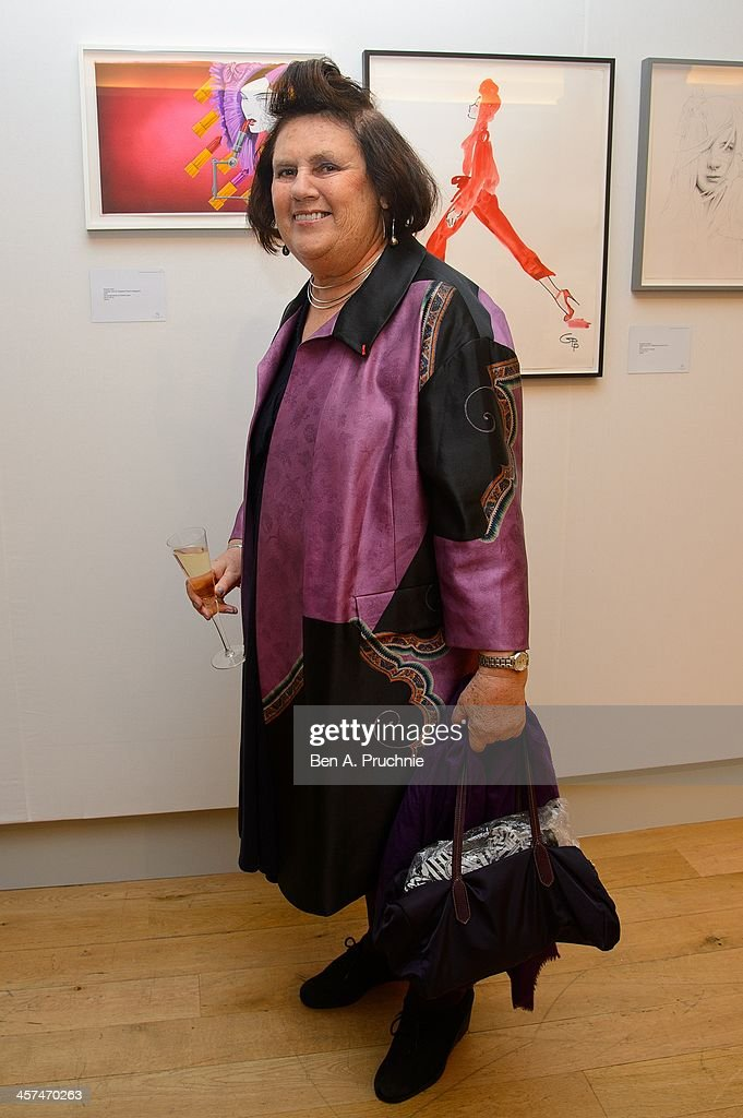 <a gi-track='captionPersonalityLinkClicked' href=/galleries/search?phrase=Suzy+Menkes&family=editorial&specificpeople=816435 ng-click='$event.stopPropagation()'>Suzy Menkes</a> attends the Fashion Illustration Gallery At Christie's, which is a celebration of fashionable art in partnership with Issa London with support from Blakes hotel on December 17, 2013 in London, England.