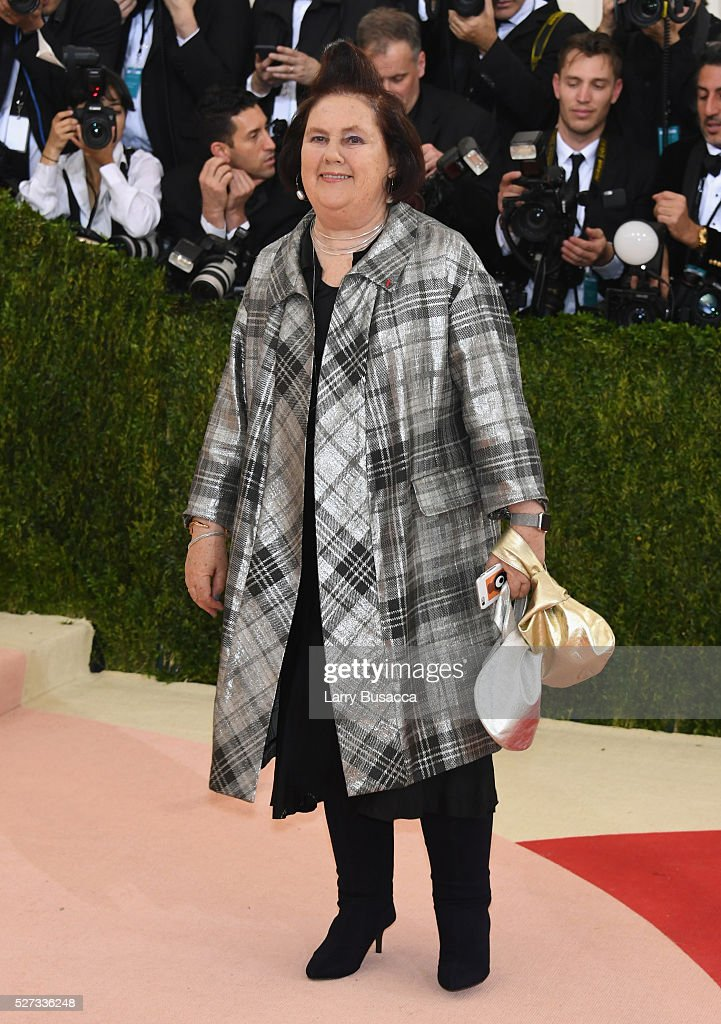 Suzy Menkes attends the 'Manus x Machina: Fashion In An Age Of Technology' Costume Institute Gala at Metropolitan Museum of Art on May 2, 2016 in New York City.