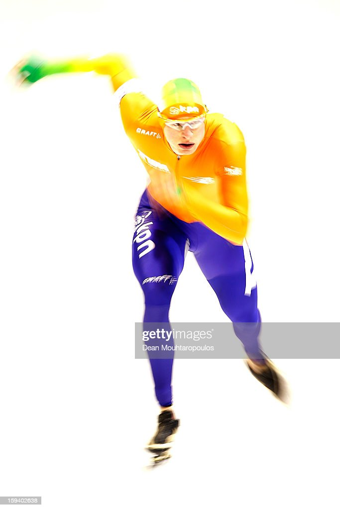 <a gi-track='captionPersonalityLinkClicked' href=/galleries/search?phrase=Sven+Kramer&family=editorial&specificpeople=769363 ng-click='$event.stopPropagation()'>Sven Kramer</a> of Netherlands competes in the 10000m Mens race during the Final Day of the Essent ISU European Speed Skating Championships 2013 at Thialf Stadium on January 13, 2013 in Heerenveen, Netherlands.
