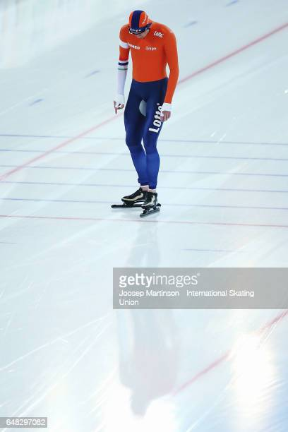 Sven Kramer of Netherlands competes in the Men's 10000m during day two of the World Allround Speed Skating Championships at Hamar Olympic Hall on...