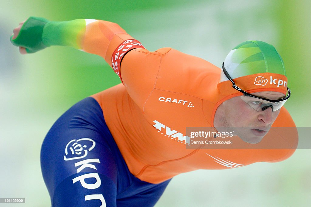 <a gi-track='captionPersonalityLinkClicked' href=/galleries/search?phrase=Sven+Kramer&family=editorial&specificpeople=769363 ng-click='$event.stopPropagation()'>Sven Kramer</a> of Netherlands competes in the Men's 5000m Division A race during day one of the ISU Speed Skating World Cup at Max Eicher Arena on February 9, 2013 in Inzell, Germany.