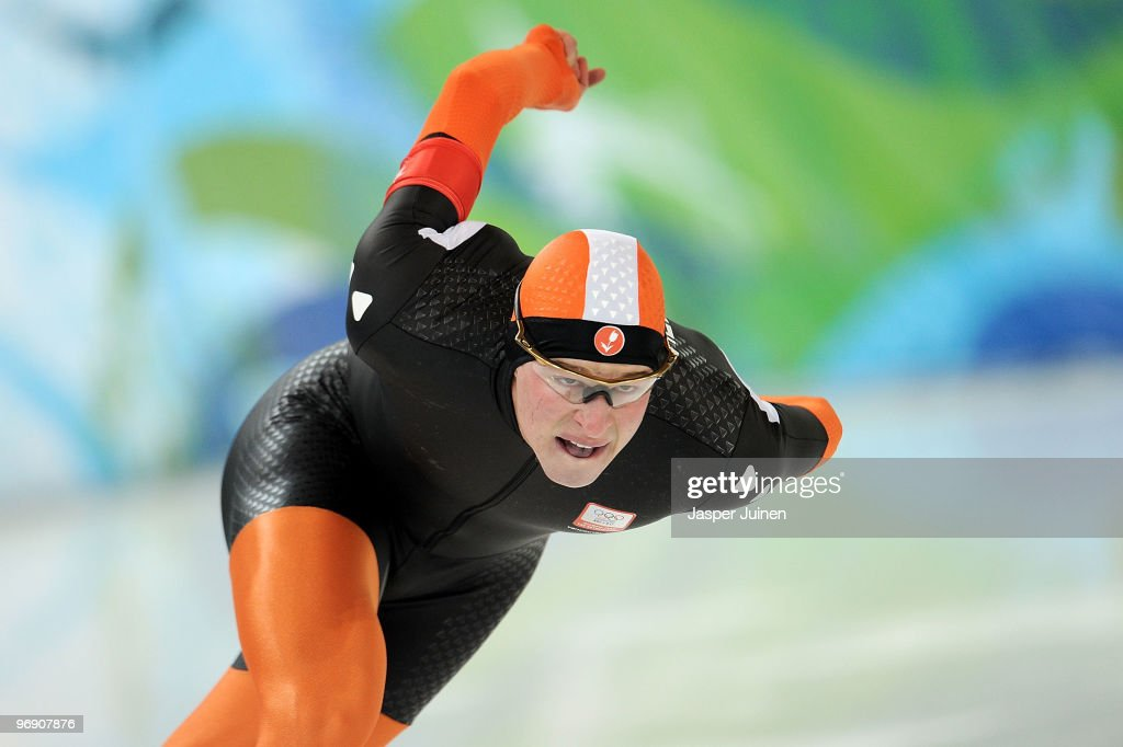<a gi-track='captionPersonalityLinkClicked' href=/galleries/search?phrase=Sven+Kramer&family=editorial&specificpeople=769363 ng-click='$event.stopPropagation()'>Sven Kramer</a> of Netherlands competes in the men's speed skating 1500 m final on day 9 of the Vancouver 2010 Winter Olympics at Richmond Olympic Oval on February 20, 2010 in Vancouver, Canada.