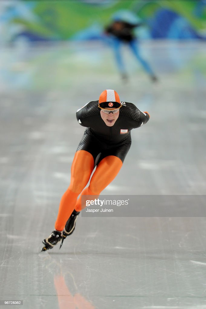 <a gi-track='captionPersonalityLinkClicked' href=/galleries/search?phrase=Sven+Kramer&family=editorial&specificpeople=769363 ng-click='$event.stopPropagation()'>Sven Kramer</a> of Netherlands competes in the men's speed skating 5000 m on day 2 of the Vancouver 2010 Winter Olympics at Richmond Olympic Oval on February 13, 2010 in Vancouver, Canada.