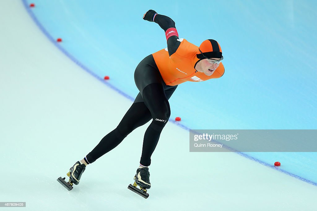 <a gi-track='captionPersonalityLinkClicked' href=/galleries/search?phrase=Sven+Kramer&family=editorial&specificpeople=769363 ng-click='$event.stopPropagation()'>Sven Kramer</a> of the Netherlands competes during the Men's 5000m Speed Skating event during day 1 of the Sochi 2014 Winter Olympics at Adler Arena Skating Center on February 8, 2014 in Sochi, Russia.