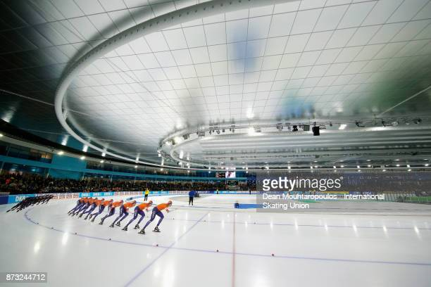 Sven Kramer of the Netherlands competes in the 5000m Mens race on day three during the ISU World Cup Speed Skating held at Thialf on November 12 2017...