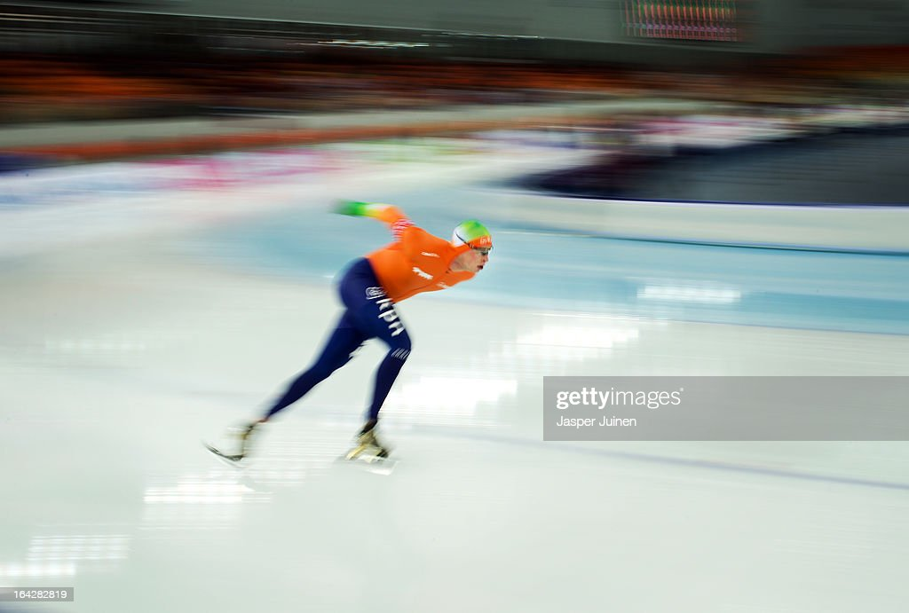 <a gi-track='captionPersonalityLinkClicked' href=/galleries/search?phrase=Sven+Kramer&family=editorial&specificpeople=769363 ng-click='$event.stopPropagation()'>Sven Kramer</a> of the Netherlands rounds a curve on his way to gold during the 5000m race on day two of the Essent ISU World Single Distances Speed Skating Championships at the Adler Arena Skating Center on March 22, 2013 in Sochi, Russia.