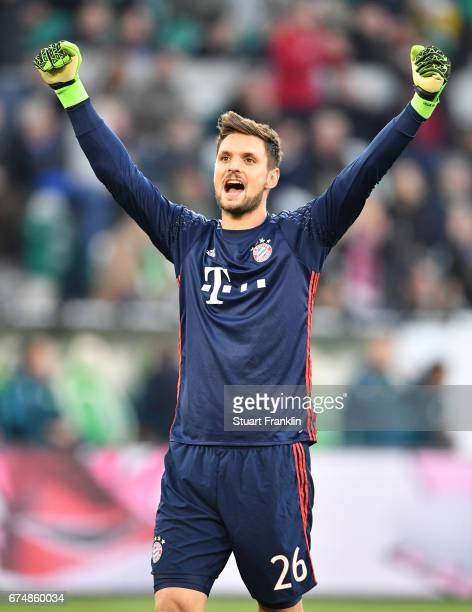 Sven Ulreich of Muenchen celebrates the fifth goal during the Bundesliga match between VfL Wolfsburg and Bayern Muenchen at Volkswagen Arena on April...
