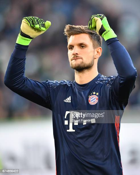 Sven Ulreich of Muenchen celebrates the fourth goal during the Bundesliga match between VfL Wolfsburg and Bayern Muenchen at Volkswagen Arena on...