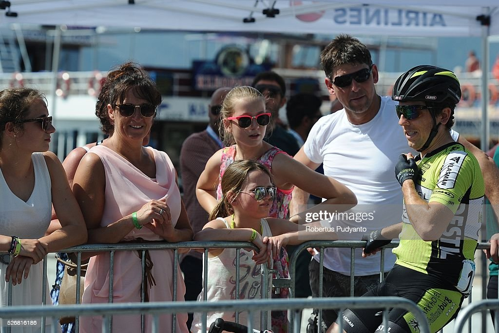 Sven Van Luijk of Parkhotel Valkenburg Continental Team talks to fans during Stage 8 of the 2016 Tour of Turkey, Marmaris to Selcuk (201.5 km) on May 1, 2016 in Marmaris, Turkey.