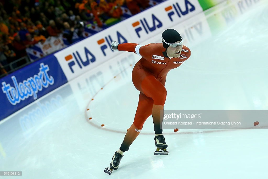 <a gi-track='captionPersonalityLinkClicked' href=/galleries/search?phrase=Sverre+Lunde+Pedersen&family=editorial&specificpeople=6523814 ng-click='$event.stopPropagation()'>Sverre Lunde Pedersen</a> of Norway skates during the team sprint men during day 2 of ISU Speed Skating World Cup Final at Thialf Ice Arena on March 12, 2016 in Heerenveen.