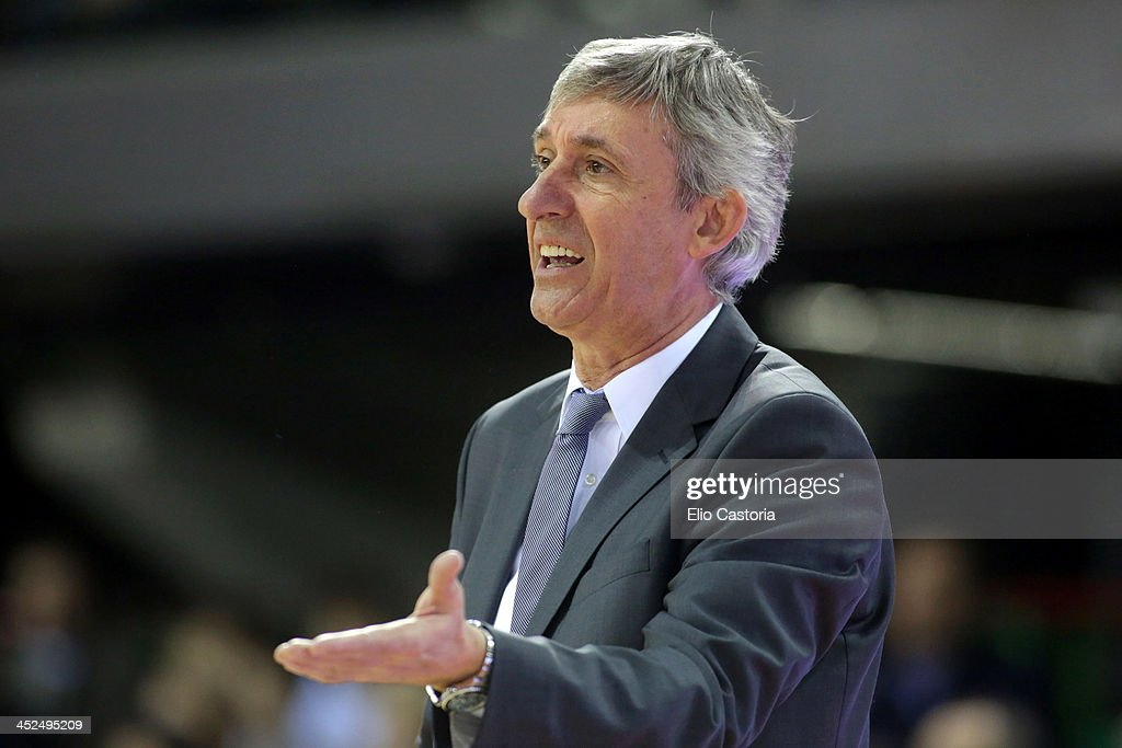Svetislav Pesic, head coach of FC Bayern Munich in action during the 2013-2014 Turkish Airlines Euroleague Regular Season Date 7 game between Montepaschi Siena v FC Bayern Munich at Nelson Mandela Forum on November 29, 2013 in Florence, Italy.