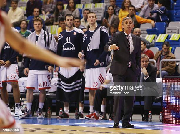 Svetislav Pesic Head Coach of FC Bayern Munich in action during the 20132014 Turkish Airlines Euroleague Regular Season Date 9 game between Unicaja...