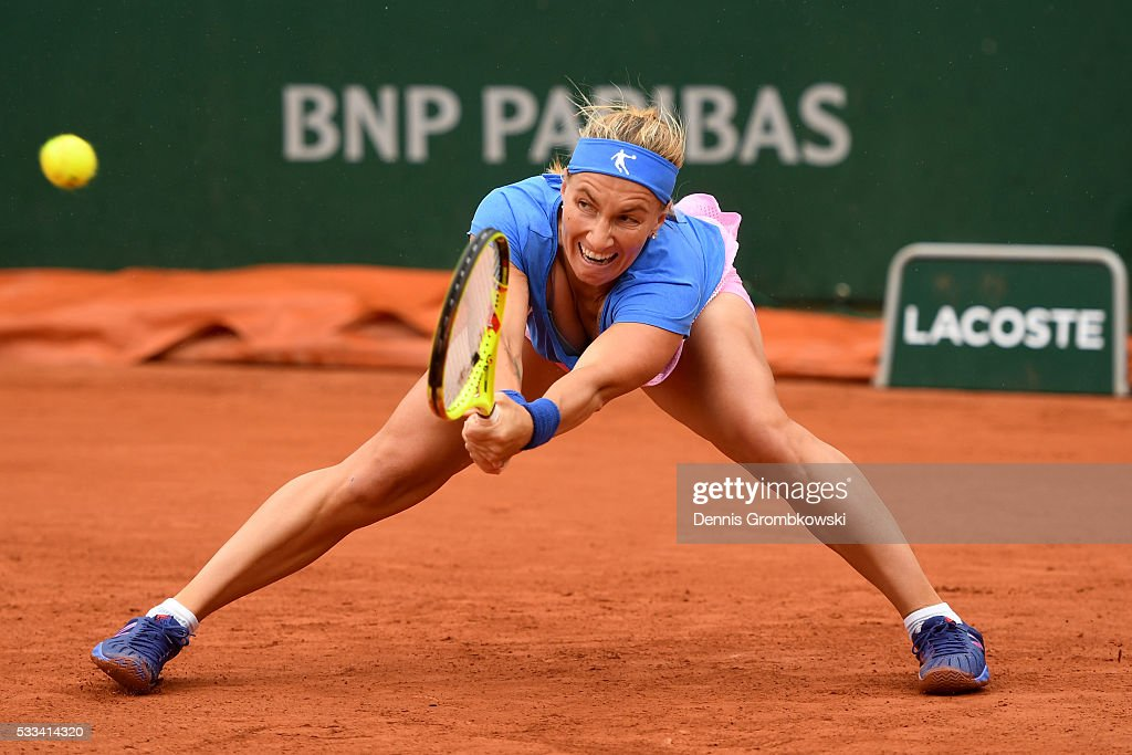 <a gi-track='captionPersonalityLinkClicked' href=/galleries/search?phrase=Svetlana+Kuznetsova&family=editorial&specificpeople=167249 ng-click='$event.stopPropagation()'>Svetlana Kuznetsova</a> of Russia hits a backhand during the Ladie's Singles first round match against Yaroslava Shvedova of Kazakhstan on day one of the 2016 French Open at Roland Garros on May 22, 2016 in Paris, France.