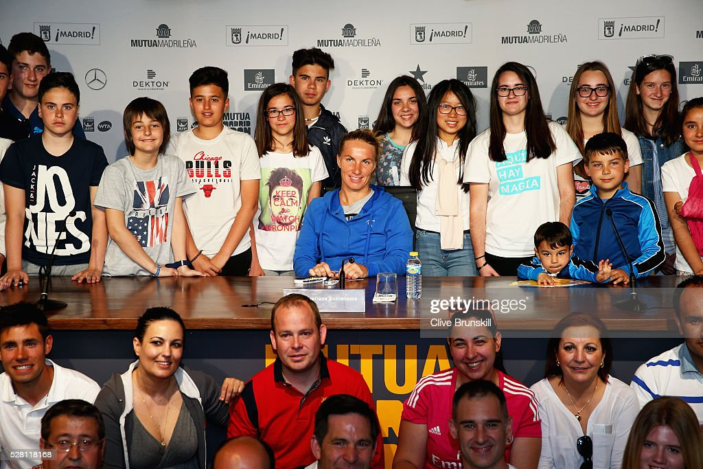 <a gi-track='captionPersonalityLinkClicked' href=/galleries/search?phrase=Svetlana+Kuznetsova&family=editorial&specificpeople=167249 ng-click='$event.stopPropagation()'>Svetlana Kuznetsova</a> of Russia poses for a group photograph after holding a press conference for young children to ask their questions to her during day five of the Mutua Madrid Open tennis tournament at the Caja Magica on May 04, 2016 in Madrid.