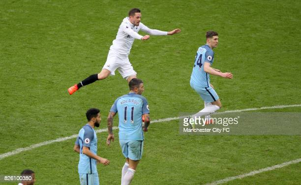 Swansea City's Gylfi Sigurdsson scores his equaliser