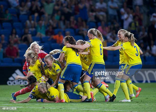 Sweden players celabrate after the UEFA Women's Under19 European Championship semi final between U19 Germany and U19 Sweden at Netanya Municipal...