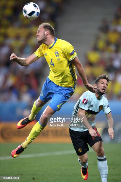 Sweden's Andreas Granqvist and Belgium's Dries Mertens in action