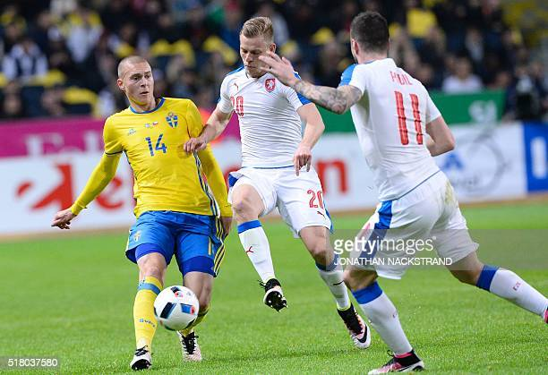 Swedens defender Victor Nilsson Lindelöf and Czech Republic's forward Matej Vydra vie for the ball during a friendly football match between Sweden...