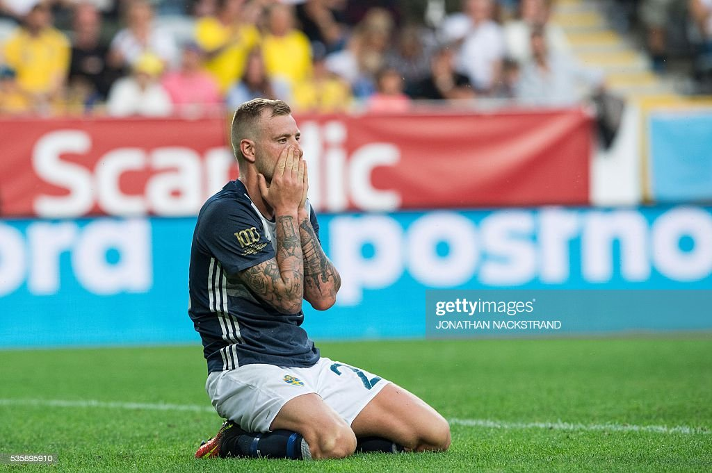 Sweden's forward John Guidetti reacts during the friendly football match between Sweden and Slovenia at Swedbank stadium in Malmo on May 30, 2016. / AFP / JONATHAN