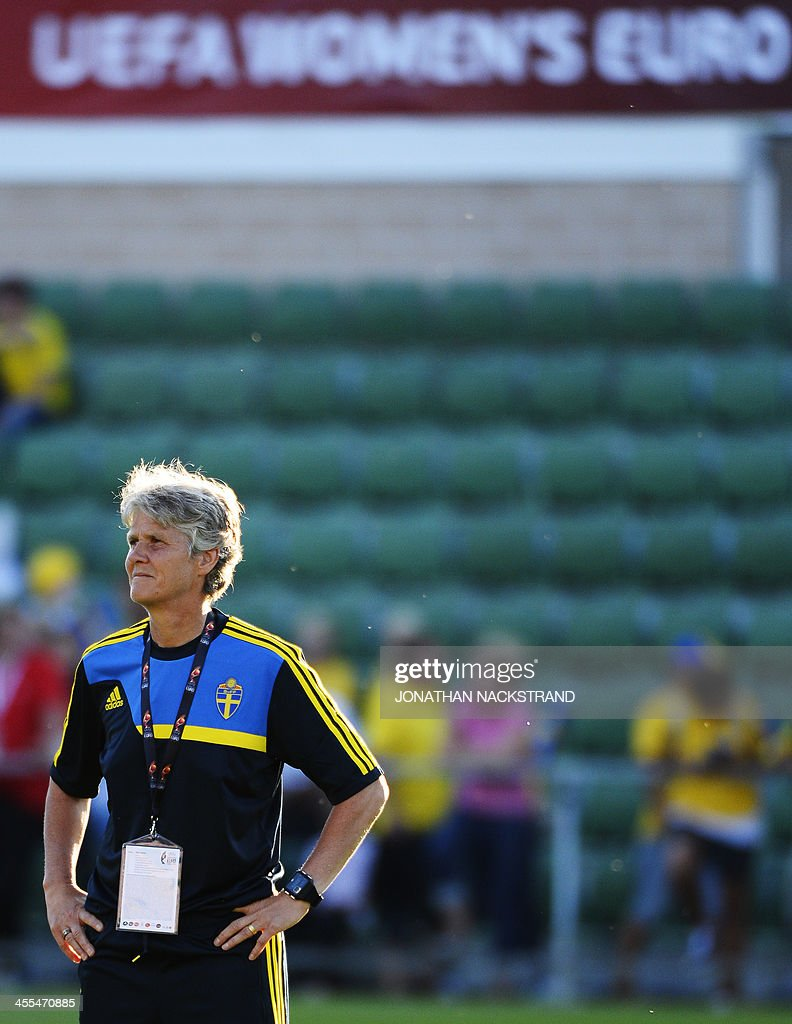 Sweden's head coach Pia Sundhage looks on during her team's warm up prior to the UEFA Women's European Championship Euro 2013 group A football match Sweden vs Italy on July 16, 2013 in Halmstad, Sweden.AFP PHOTO/JONATHAN NACKSTRAND