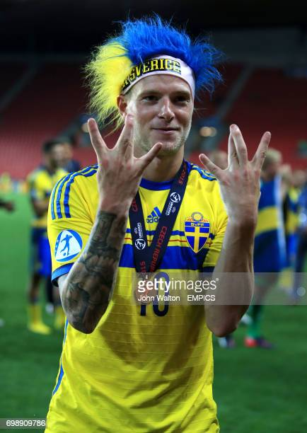 Sweden's John Guidetti celebrates after Sweden win the penalty shootout