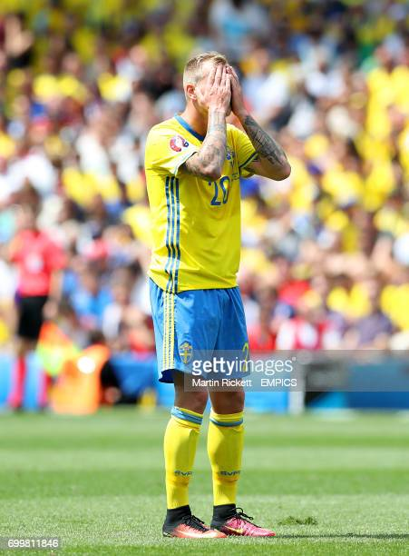 Sweden's John Guidetti rues a missed chance