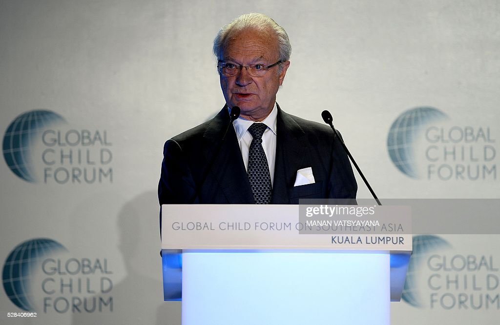 Sweden's King Carl XVI Gustaf delivers his opening remarks at the Global Child Forum on South East Asia in Kuala Lumpur on May 5, 2016. / AFP / MANAN