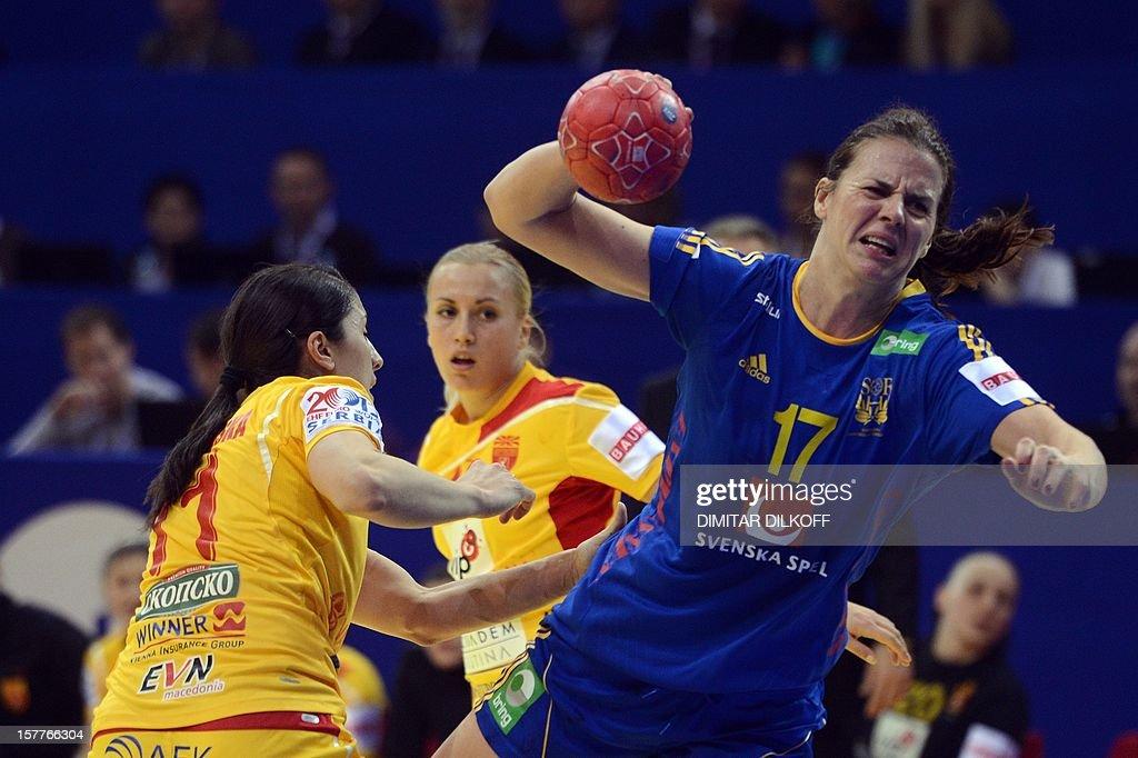 Sweden's Linnea Torstenson (R) vies with Macedonia's Mirjeta Bajramoska (L) and Bilijana Crvenkoska (C) during the Women's EHF Euro 2012 Handball Championship match between Macedonia and Sweden in Nis on December 6, 2012.
