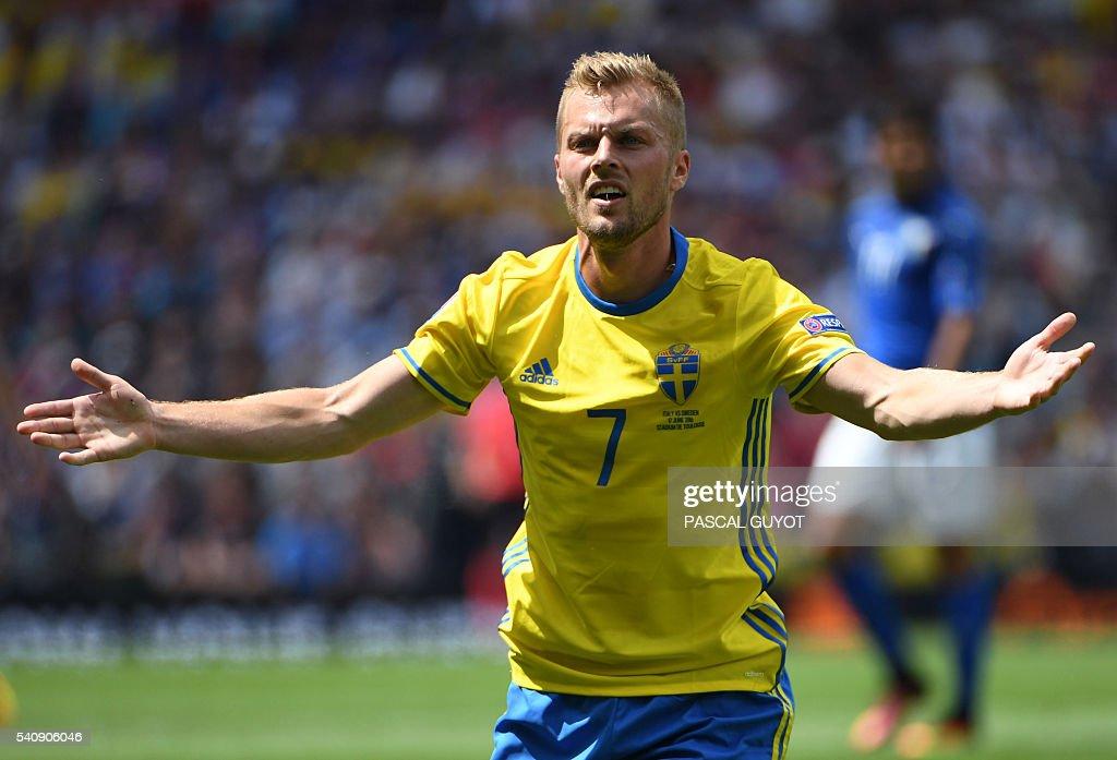 FBL-EURO-2016-MATCH19-ITA-SWE : News Photo