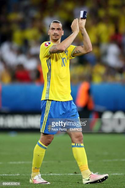 Sweden's Zlatan Ibrahimovic applauds the fans after the final whistle