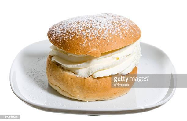 Petit pain à la crème de massage suédois (semla