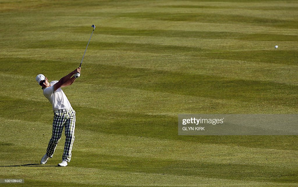 Swedish golfer Henrik Stenson plays his approach shot to the 4th green during the second day of the PGA Championship on the West Course at Wentworth, England, on May 21, 2010.