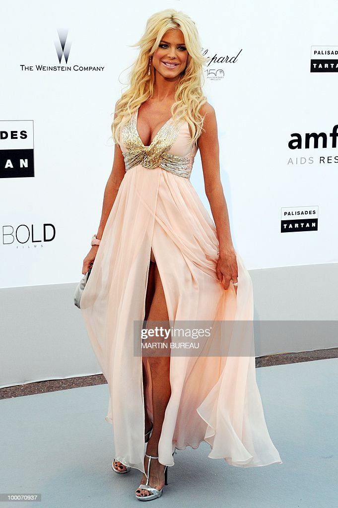 Swedish model Victoria Silvstedt poses while arriving at amfAR's Cinema Against Aids 2010 benefit gala on May 20, 2010 in Antibes, southeastern France.