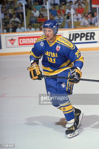 Swedish professional hockey player Borje Salming skates on the ice for Team Sweden during the Canada Cup international hockey tournament 1991 The...