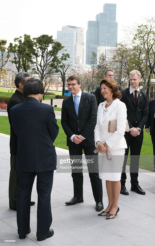 Swedish Queen Silvia (R) tours 21_21 Design Sight designed by Japanese architect Tadao Ando at Tokyo Midtown on March 26, 2007 in Tokyo, Japan. The Swedish King and Queen are on a week long visit to Japan.